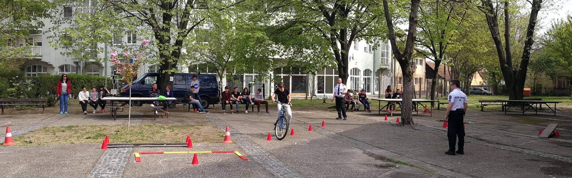 Kerékpáros ügyességi verseny